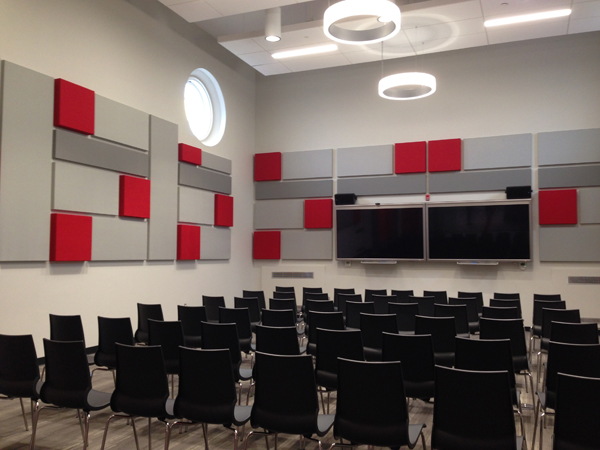 One of two flexible spaces on the main level for gatherings, programs, and conferences.