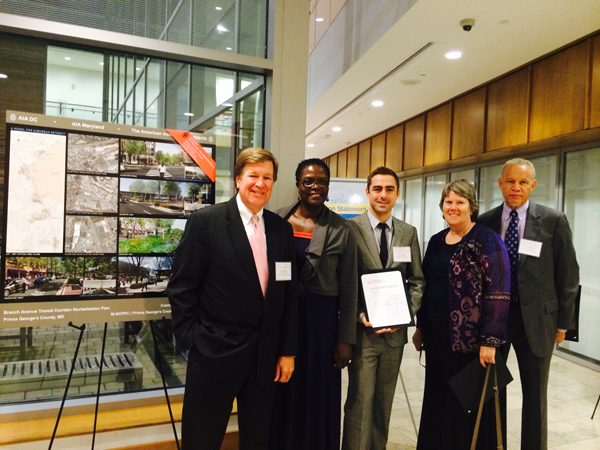 The project team accepts the AIA Maryland State Component Award on September 10, 2014; from left: Lee Quill, FAIA;